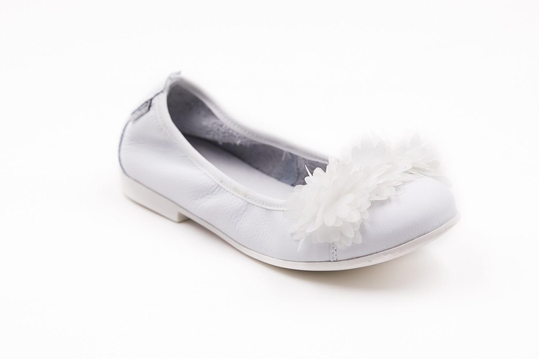 Balerini albi cu aplicatie textil