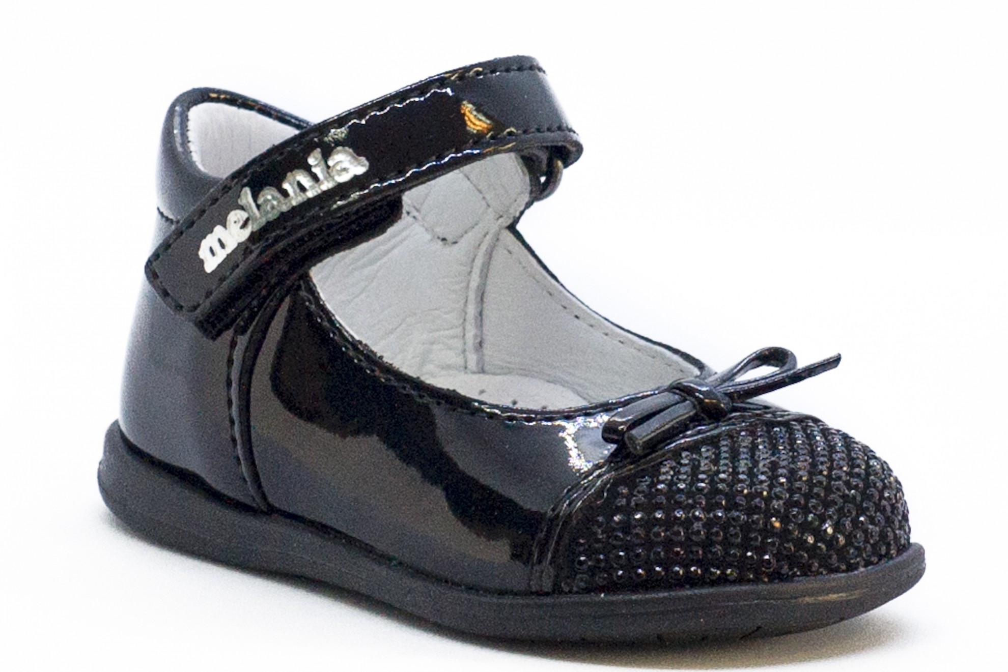 Pantofi negri cu strasuri negre varf