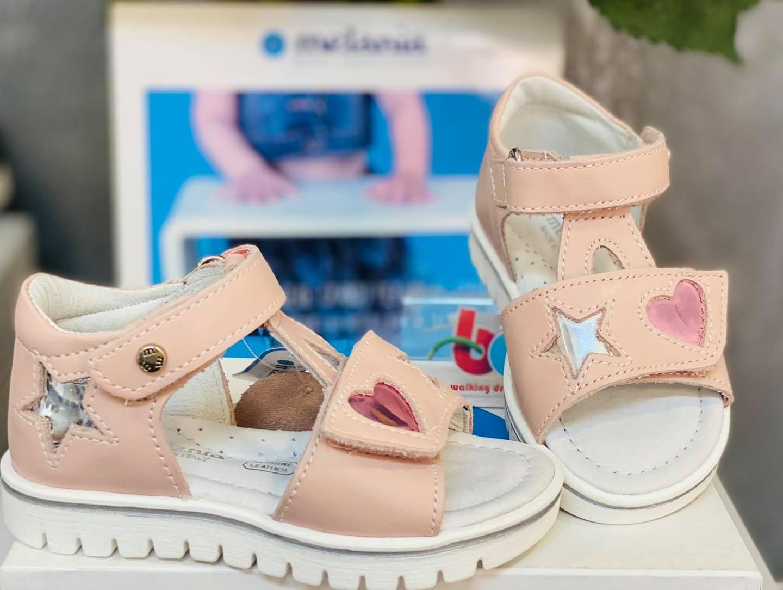 Sandale roz pal inimioara si steluta