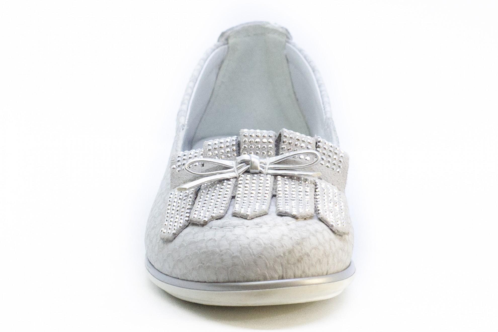 Pantofi casual cu franjuri si strasuri argintii